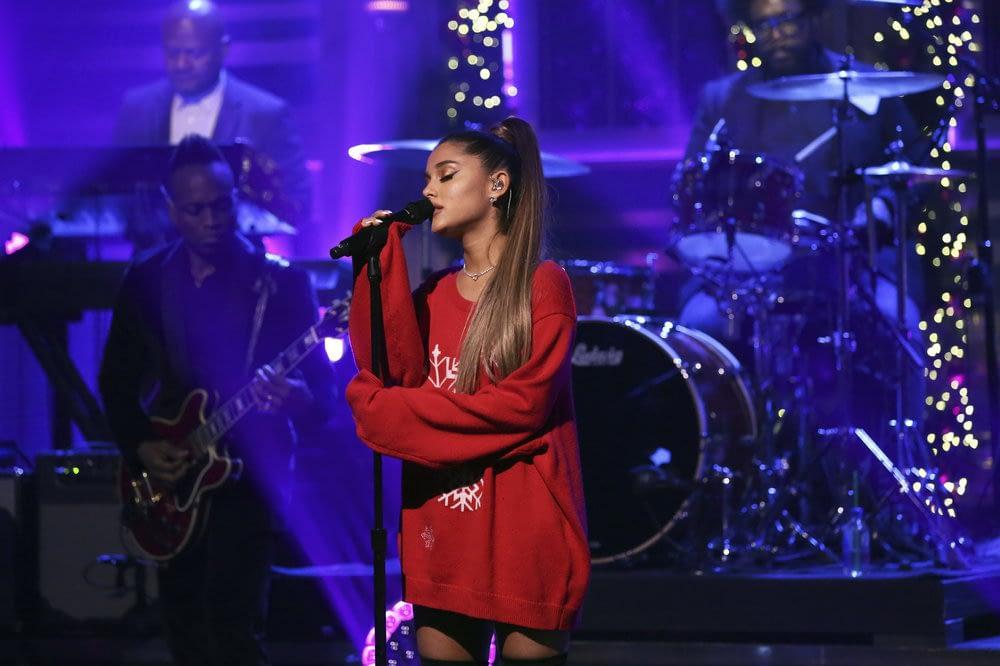 Ariana Grande Fallon imagine